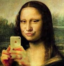 The_Dairy_Fish_Lips_Mona_Lisa_Selfie_medium